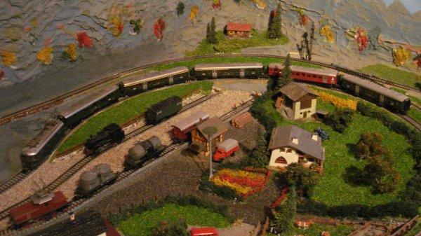 Les sublissimes trains de voyageurs helvético-européens du temps jadis (première partie)