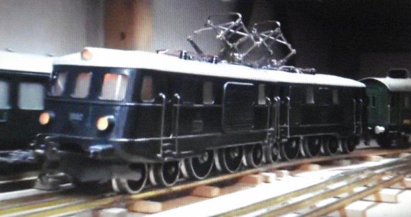 Renaissance du Tin-Plate de style suisse à l'échelle 0 - Véhicules-moteurs modifiés - Troisième partie
