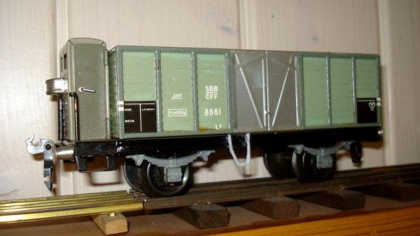 """Amélioration définitive de trois wagons BUCO """"Tin-Plate"""" à deux essieux à l'écartement 0"""
