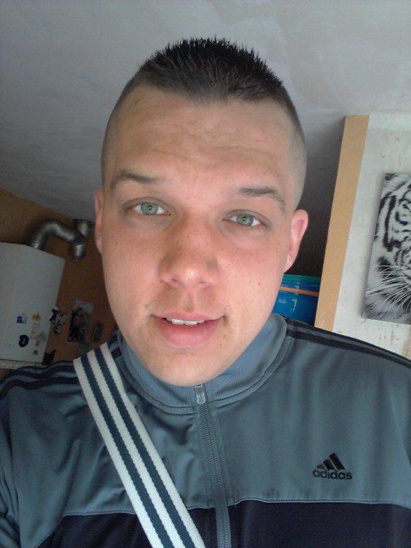 #_ Bienvenue sur mon blog , moi c'est anthony =) ♥