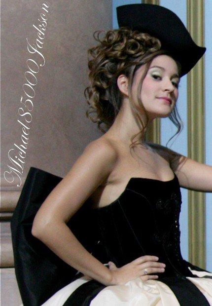 Maeva Meline $)