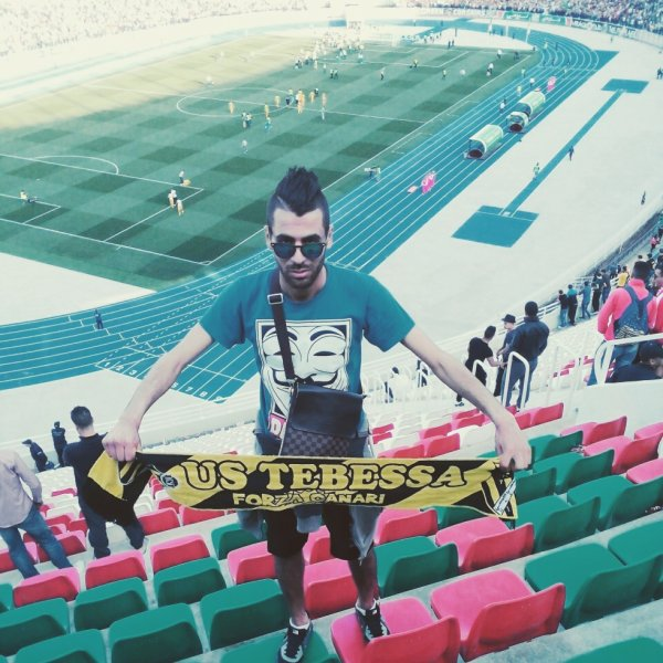 à stade de 5juillet #Forza_canari