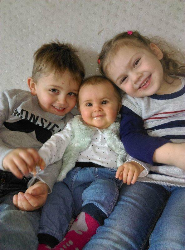 mon fils pedro et ces soeur sheryna et sylvia
