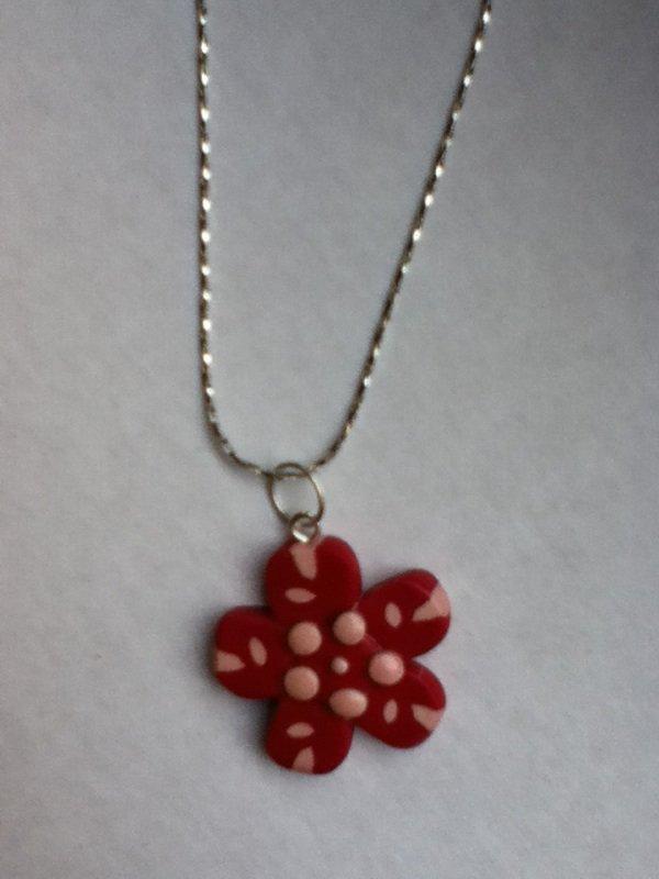 Petit pendentif fleur rouge et beige