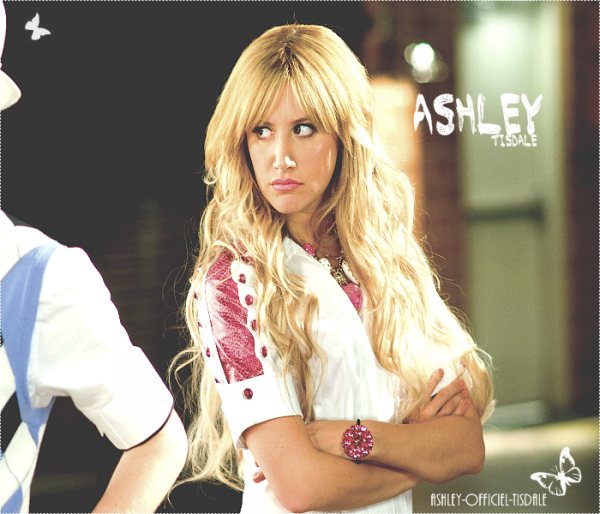 . . Découverte dans High School Musical, Ashley Tisdale s'était mise l'année dernière dans la peau d'une pom-pom girl pour les besoins de la série Hellcats. Mlaheureusement, le programme de la CW n'aura pas vraiment convaincu et a été annulé à la fin de la première saison... Mais qu'importe, il n'aura fallu que quelques mois à l'actrice de 26 ans pour rebondir : on vient d'apprendre qu'Ashley serait prochainement à l'affiche d'un soap intitulé Under Construction qui sera diffusé sur ABC.   Cette comédie, dans laquelle elle jouera et qu'elle co-produira aussi, mettra en scène une jeune fille qui revient vivre avec ses parents au moment où son père entreprend de rénover la maison familiale. Pour le moment, on ne connaît pas la date de diffusion de la série mais on vous tient au courant dès que ça se précis  . .