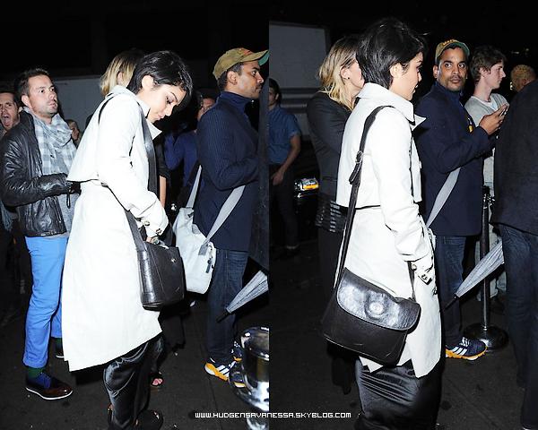 06 septembre 2011  ; Vanessa va a un concert avec Laura New dans New york city.