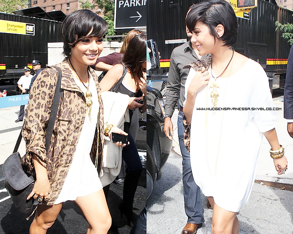 08 septembre 2011  ; Vanessa à la Fashion Week de Mercredes Benz.Miss Hudgens nous fait un TOP!