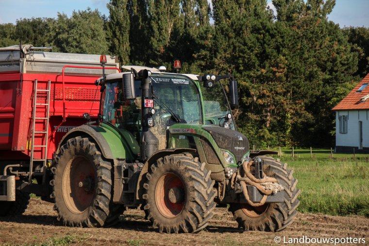 Aardappelen rooien 2015 met Dewulf RA 3060 & Fendt 724 Vario