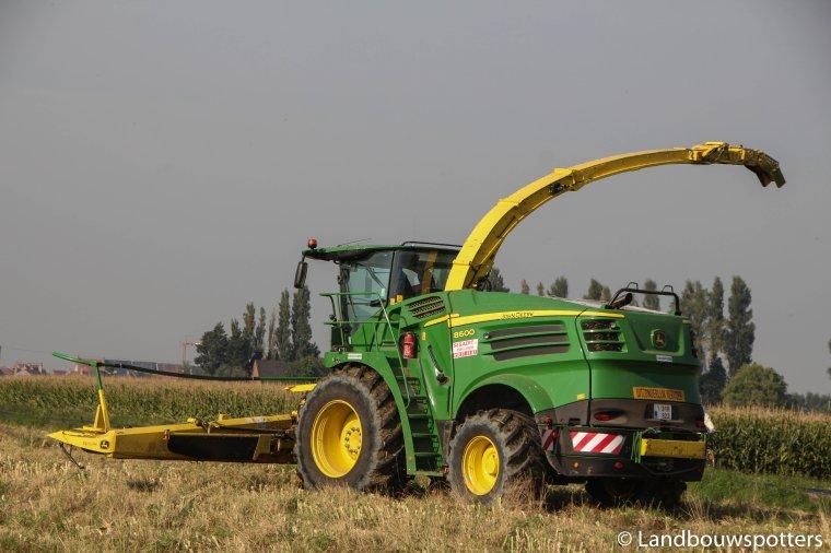 NEW John Deere 8600 mais hakselen - Ensilage 2015 en Belgique
