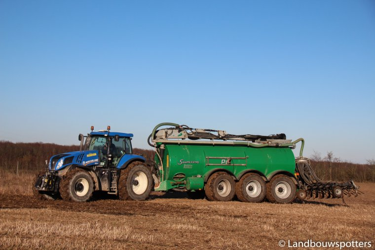 Niels Bie's Maskinstation with New Holland T8.420 and Samson PG 25