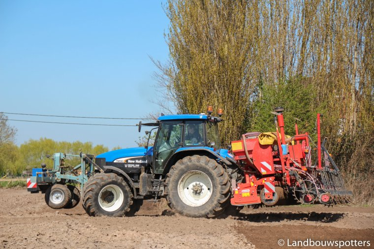 New Holland TM 190 erwten zaaien 2016
