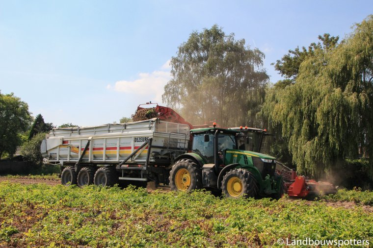 Aardappelen rooien 2016 - Loonwerken Deroo - Dewulf Kwatro