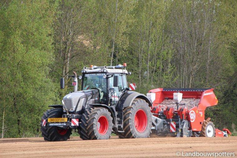 Plantation pommes de terre avec Fendt 828 - Goetgebuer