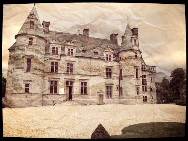 Enquête numéro 1 : Le château des Ravalets ( X & Fabienne)