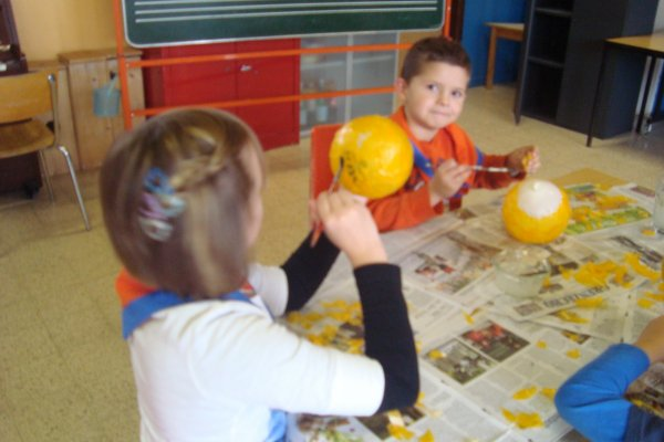 2. Gruppenstunde : Halloweenbasteln