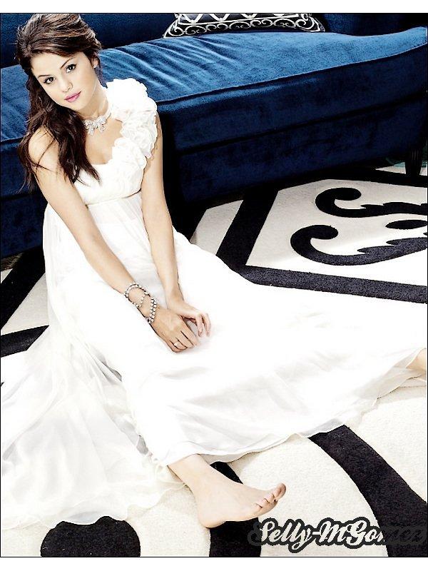 - 29 Septembre 2010 : Notre sublisime Selena était à la fete organisé pour la nouvelle collection de bijoux de Cheryl Cole.  Sa tenue absolument magnifique ! Selena est juste splendide ! Toujours souriante ! Je l'aime ma Selly d'amour ! -