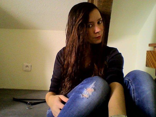 Je te dirais bien d'aller te faire foutre mais il parait que je t'aime .. ♥
