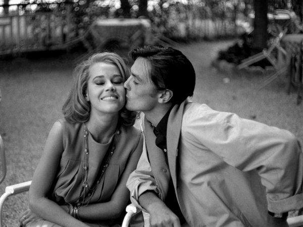 """""""Le plaisir peut s'appuyer sur l'illusion, mais le bonheur repose sur la réalité."""" Chamfort"""