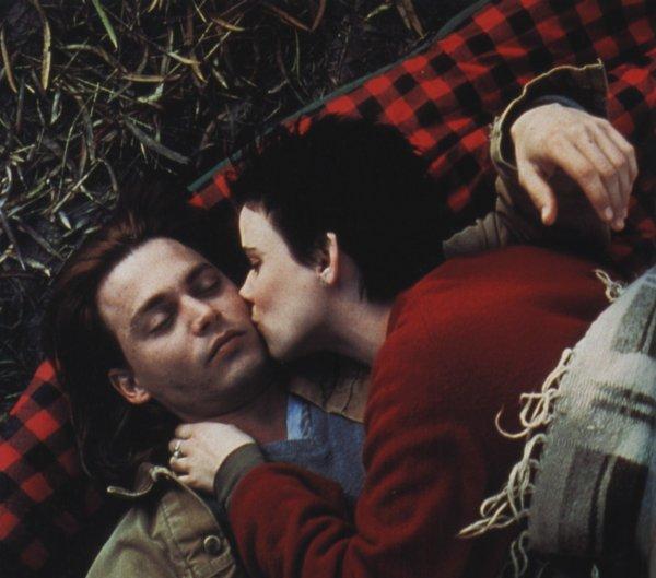 """""""Il vaut mieux aimer qu'être aimé ; d'abord, on choisit."""" Diane de Beausacq"""