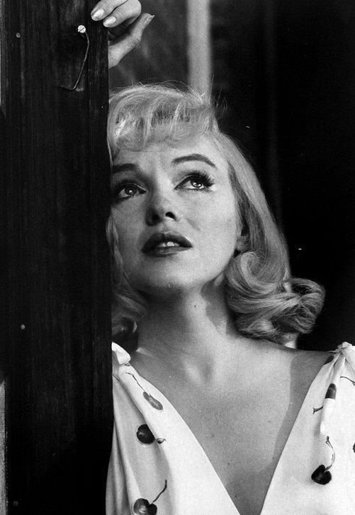 """""""J'ai appris de la vie qu'on ne peut aimer l'autre, jamais, vraiment."""" Marilyn Monroe"""