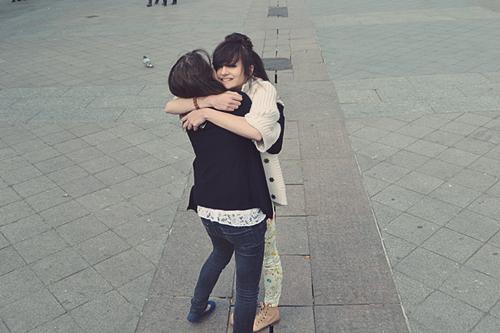 Ça fait tellement du bien d'aimer les gens qu'on aime que ça finit par faire mal.