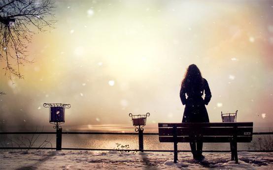 Tu dis que tu décrocherais la lune et les étoiles pour elle, commence d'abord par décrocher ton tel quand elle t'appelle.