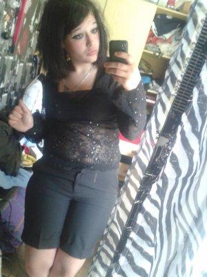 moi en mode gothique emo