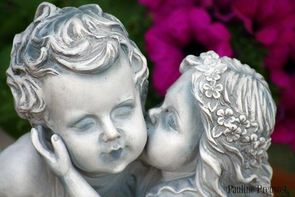 Un Baiser de l'être aimer est la chose la plus puissante du monde..
