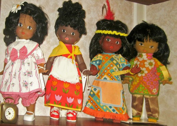 Poupées ethniques Clodrey