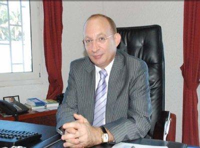 L'ambassade de France à Moroni met ses menaces à exécution
