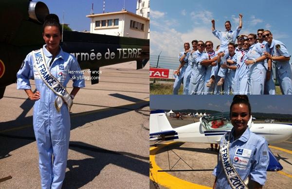SORTIE -- Marine était en visite à l'hippodrome de Cabourg pour remettre le Prix des Camélias et effectuer une séance dédicaces.