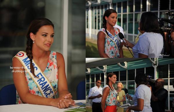 VOYAGE -- Marine Lorphelin est en conférence de presse en Guadeloupe.
