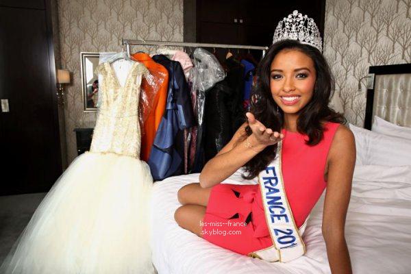 08 Déc. 2013 | Découvrez les photos de Flora Coquerel, Miss France 2014, prise à l'hôtel Shangri-La