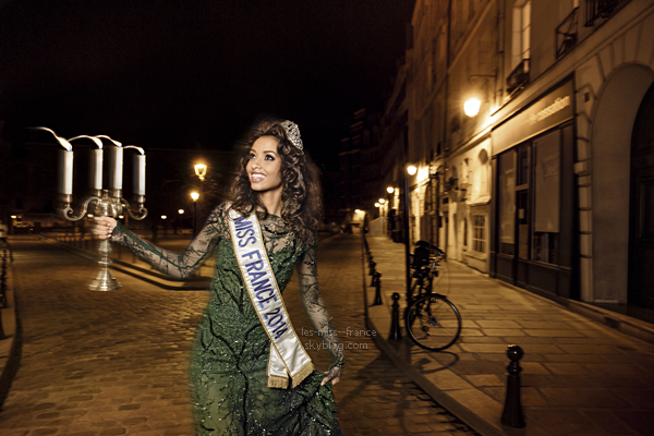 MAGAZINE GALA -- Miss France 2014, Flora Coqurel dans la magazine Gala !