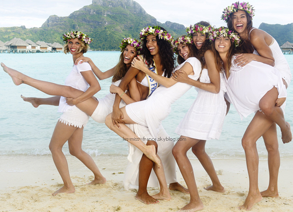 Les miss prennent la pose sur la plage de Bora Bora
