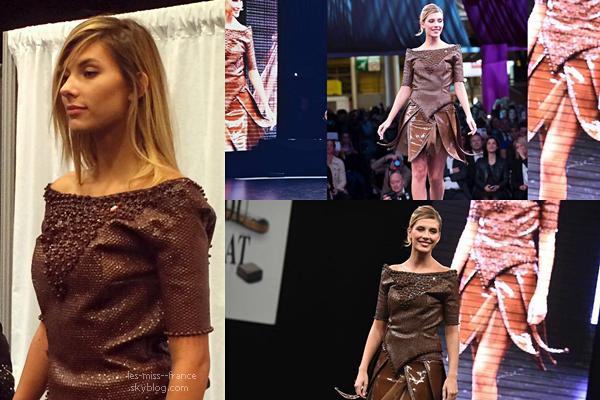 DÉFILÉ -- Camille était au Salon du Chocolat, et en début de matinée sur RTL avec Stéphane Bern.
