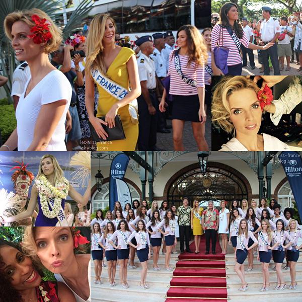 23 Nov. 2015 | Les 31 candidates ont défilés en tenue traditionnelle dans les jardins de Tahiti.