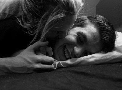 """Quand une fille te dit """"j'ai froid"""", cela veux juste dire """"prend moi dans tes bras""""."""