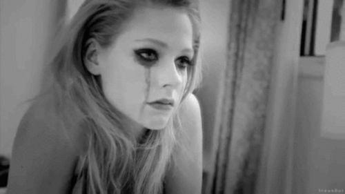 Parce que ton absence agis sur moi comme un manque... Je suis accro .... J'aurais tellement voulut éviter...