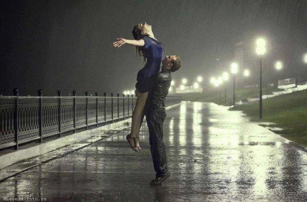 Chi ha avuto la fortuna di incontrare l'amore faccia di tutto per mantenerlo vivo perché l'amore non invecchia... E chi non l'ha incontrato, apra il cuore alla speranza poiché la vita è sempre una speranza d'amore. BUONA DOMENICA A TUTTI  !!