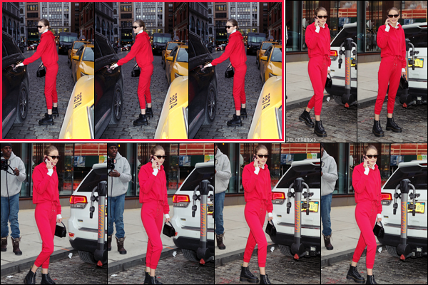 """"""" •  30/01/18    —  La belle Gigi Hadid à été photographiée à plusieurs reprises se baladant dans la grande ville de New York !La belle était surement de sortie pour des rendez-vous professionnels, dans une tenue total rouge, que j'aime beaucoup, c'est un joli top.  """""""