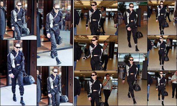 """"""" •  24/01/18    —  La sublime Gigi Hadid est photographiée alors qu'elle quittait son appartement dans les rues de New York ! Peu de temps après la mannequin à été vue arrivant  à l'aéroport « JFK », situé à New York  afin de prendre un vol direction le Japon. Avis?  """""""