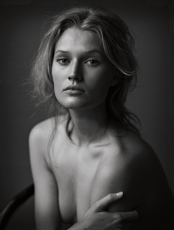 Vogue Germany - June 2012 | The Naked Truth by Peter Lindbergh