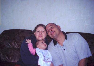 Ma femme et moi avec la première des filles