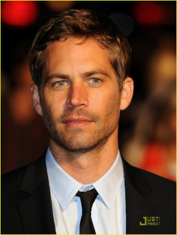 "l'actur Paul Walker : Fast and Furious"" perd son célèbre conducteur sur un accident de voiture"