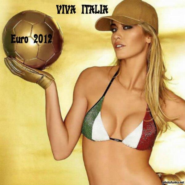 Ce soir Jean-Roch en direct A Varsovie pour l'ouverture de l'Euro 2012 c est de la bombe à ne pas manquer grandioseeeee tout sa oh j adore je soutiens l Italie pour l Euro 2012