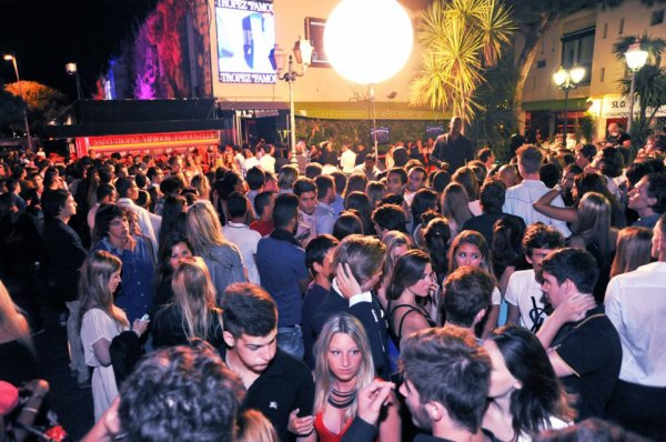 "VIP ROOM"" Saint-tropez !! More than a club a legend !!"