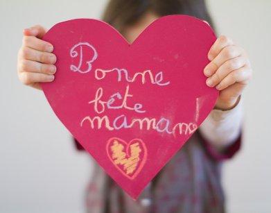 Bonne fête à toutes les Mamans Du Monde Santé , Paix ,Joie, Bonheur Sur Elles
