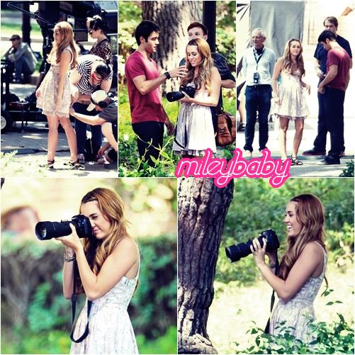 Miley a été vu tournant quelques scènes pour le tournage de « So Undercover » le 11/08.
