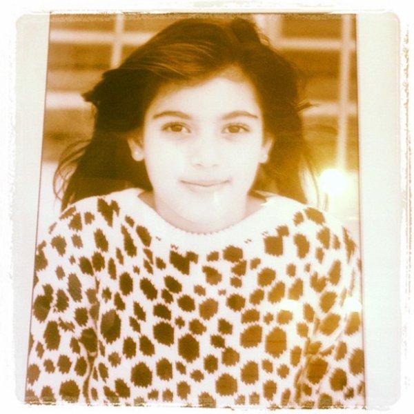 Kim Kardashian a posté une photo d'elle en étant petite sur instagram ! Trop mignonne !